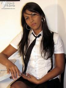 21.03.2010 · Nubia · Schoolgirl