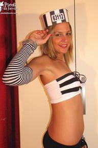 02.10.2011 · Sara · Prisoner