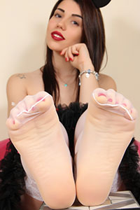 Cosplay girl free footfetish picture - CosplayFeet.com - cosplayfeet-petra-minnie-07