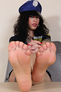 Cosplay girl free footfetish picture - CosplayFeet.com - cosplayfeet-dollyc-poliziotta-10